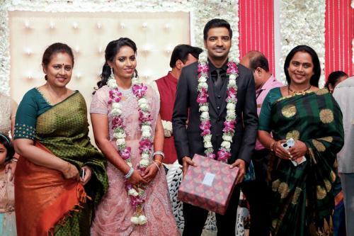 Actor Sathish - Sindhu Wedding Reception Stills 19