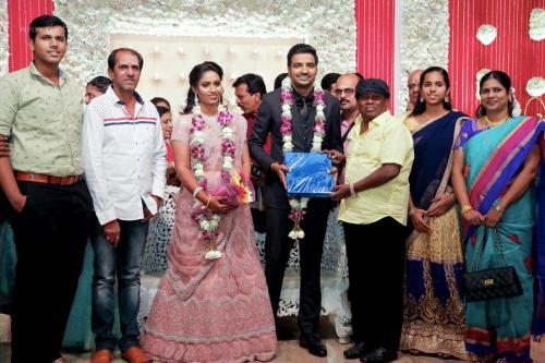 Actor Sathish - Sindhu Wedding Reception Stills 20
