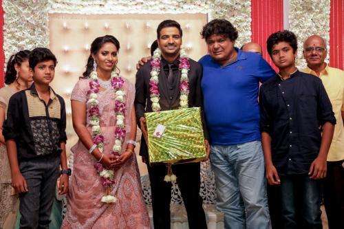 Actor Sathish - Sindhu Wedding Reception Stills 24