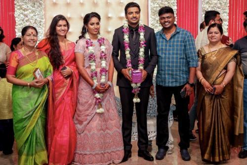 Actor Sathish - Sindhu Wedding Reception Stills 38